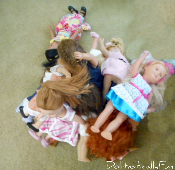 Pile o dolls